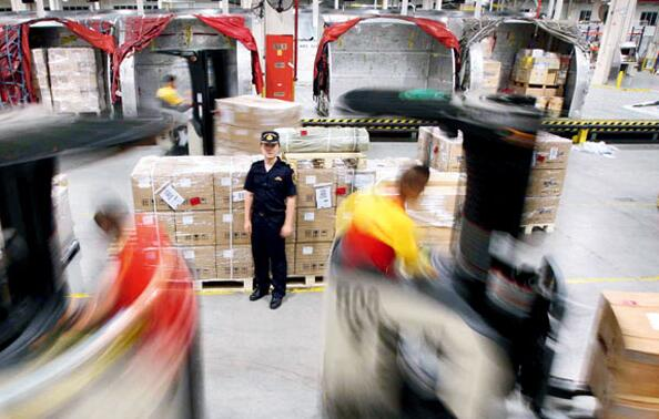 食品进口清关后装卸配送