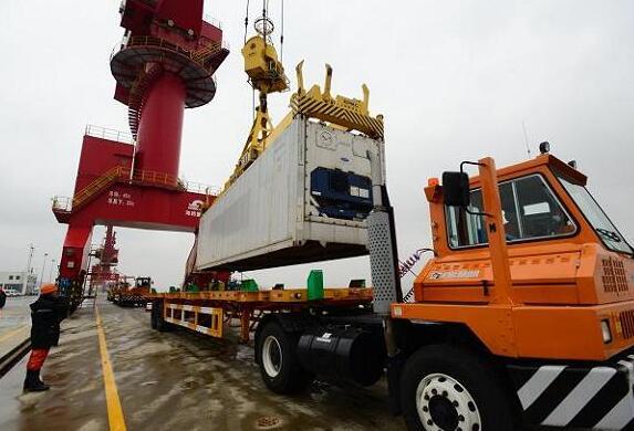 进出口货物码头装卸