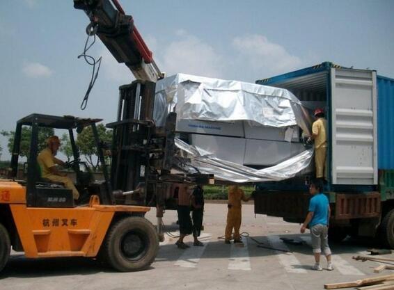 机械进口装柜运输