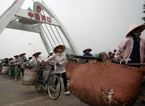 中越边境上越南货物