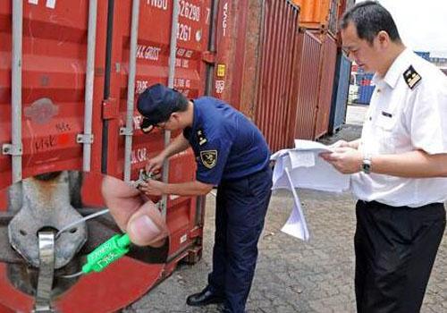 海关对监管区货物解封查验